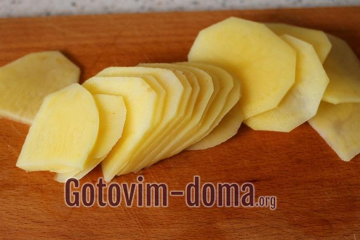 Картофель колечками для домашних чипсов