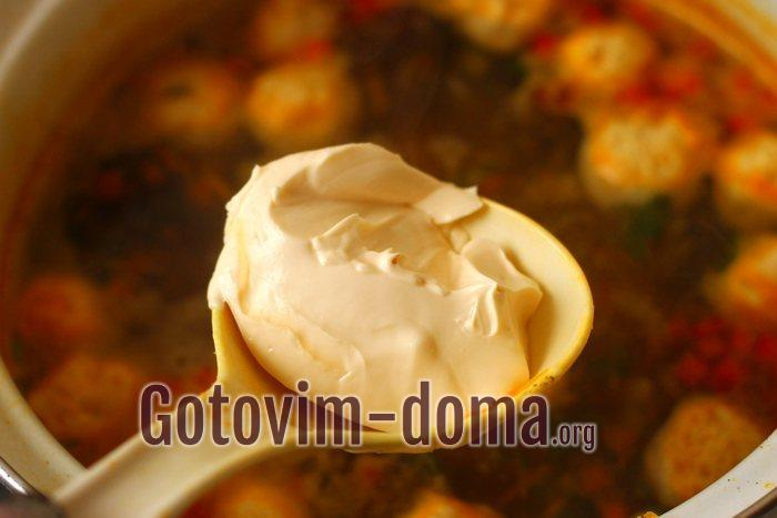 плавленный сыр добавлен в суп