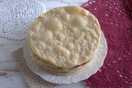 Как испечь быстрые слоеные коржи для торта, рецепт с фото.