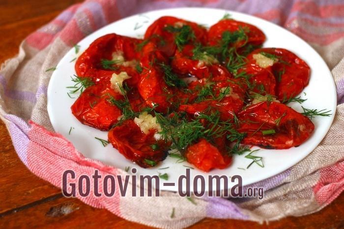 Запеченные помидоры в духовке, рецепт с фото