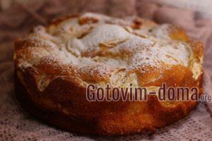 Пирог с персиками, рецепт с фото