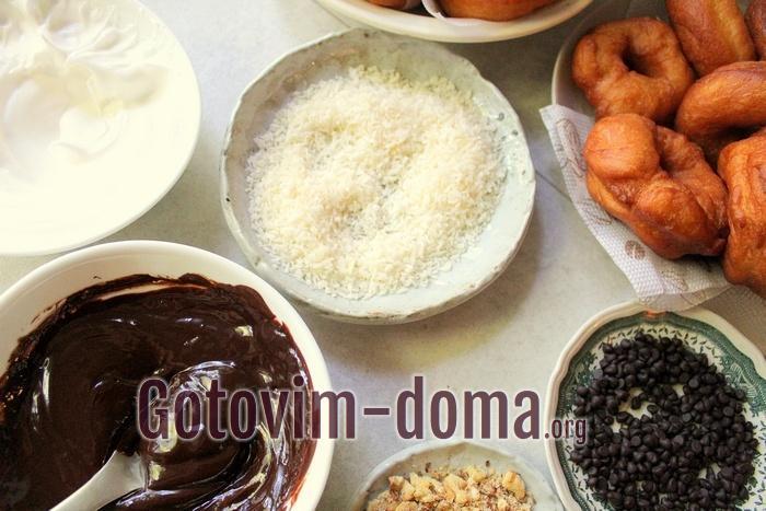 Для пончиков глазурь шоколадная и разный декор