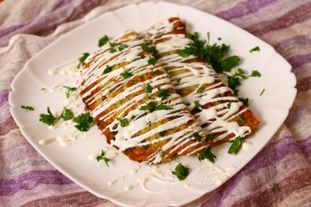Чебуреки из кабачков с гречкой, сыром и помидорами, рецепт с фото