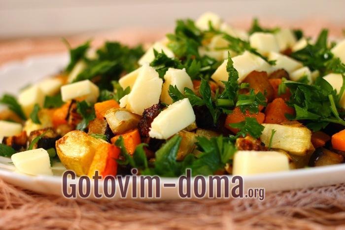 Как приготовить теплый салат с овощами и сыром моцареллой