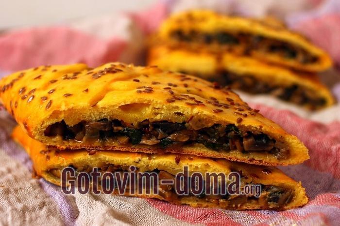 Самый вкусный дрожжевой пирог с грибами