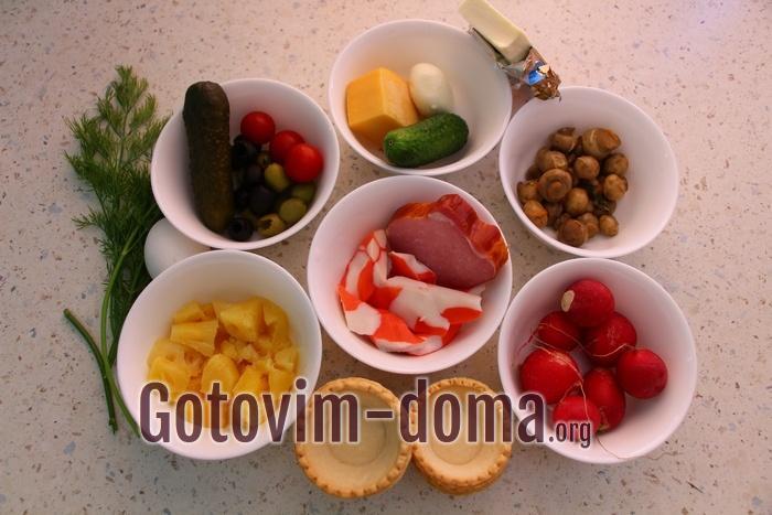 Ингредиенты для 5 видов начинок праздничных тарталеток.