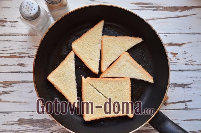 Хлеб для гренок на сковороде.