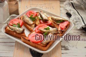 Гренки со шпротами и плавленым сыром, рецепт с фото.