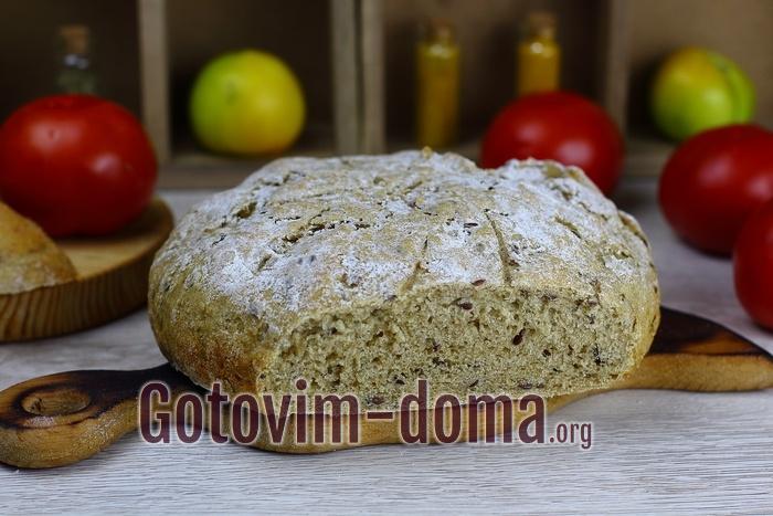 Цельнозерновой хлеб в духовке.