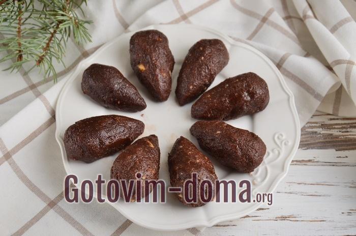 Заготовки десерта шоколадные мышки.