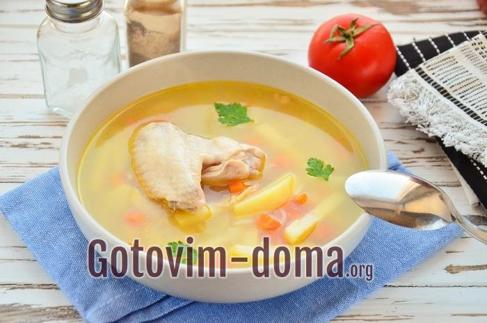 суп из куриных крылышек.