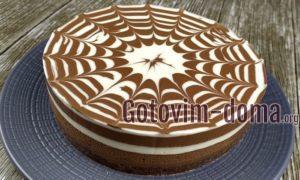 Внутри тортик Зебра полностью полосатый.